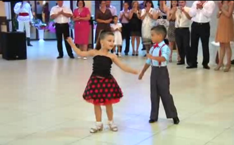 скачать дети танцуют вальс